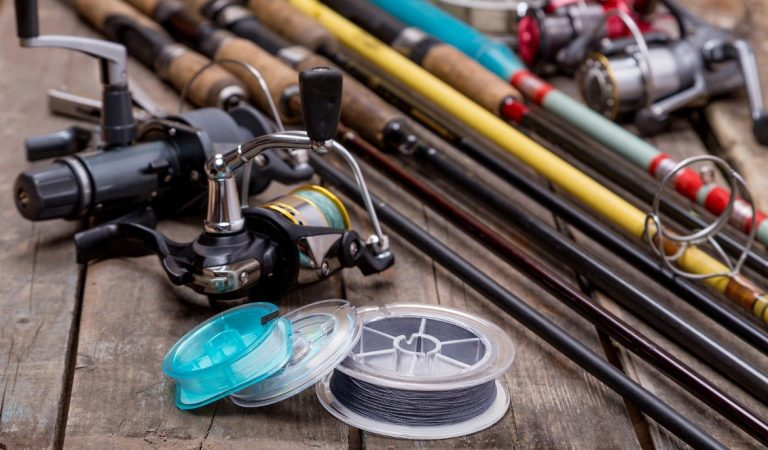 8 Items You Should Always Bring Fishing